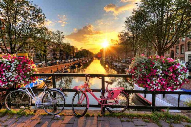 Which City Is The Better City To Live In, London Or Amsterdam?
