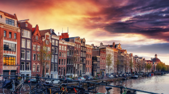 Life In Amsterdam: A Modern Look At An Ancient City – Max Lang-Orsini